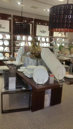 Hotel Collection Dinnerware display