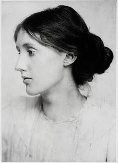 """Virginia Woolf""""No need to hurry. No need to sparkle."""" ― Virginia Woolf, A Room of One's Own, and Three Guineas Virginia Woolf, Vanessa Bell, Foto Portrait, World Literature, Portraits, Hans Christian, Interesting History, Women In History, Famous People"""