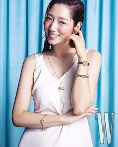 Park Shin Hye Models Jewelry in a Sleek and Simple W Korea Pictorial | A Koala's Playground Korean Actresses, Korean Actors, Lee Bo Young, W Korea, Yoo Ah In, Bridal Mask, Korean Wave, Park Shin Hye, Jewelry Model
