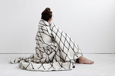 THE GRID woven blanket. Large sized, to cover a bed or to turn anyone into a wrapped mummy. It measures ~ 160 x 240cm (~ 63 x 94.5 inch)  Woven of