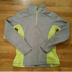 1/4 zip Old Navy fleece Green & gray 1/4 zip fleece. Size small. Excellent condition Old Navy Tops Sweatshirts & Hoodies
