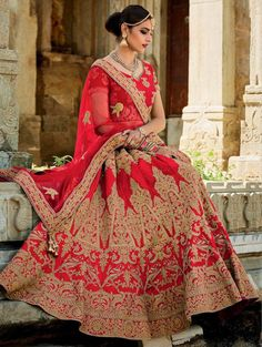 Looking for Lehenga Online: Buy Indian lehenga choli online for brides at best price from Andaaz Fashion. Choose from a wide range of latest lehenga designs. * Express delivery, Shop Now! Indian Lehenga, Lehenga Sari, Bridal Lehenga Choli, Bollywood Lehenga, Heavy Lehenga, Lehenga Choli Designs, Ghagra Choli, Choli Dress, Indian Dresses