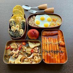 Korean Street Food, Korean Food, Good Food, Yummy Food, Tasty, Quick And Easy Soup, Dessert Drinks, Desserts, Breakfast Lunch Dinner