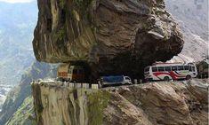 Una de las carreteras más peligrosas, India
