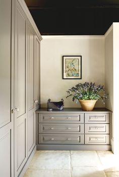 Artisan Bedrooms - fitted chest of drawer in a darker grey colour The built in look works well in this scheme Living Room Hardwood Floors, Closet Designs, Closet Bedroom, Bedroom Design, Built In Furniture, Furniture, Linen Cabinets, Classic Bedroom, Bedroom Built In Wardrobe