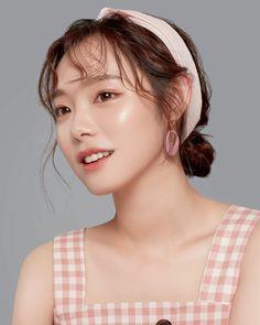 Ulzzang Makeup, Something Special, Makeup Looks, Pearl Earrings, Portrait, Beauty, Korean, Angel, Goals