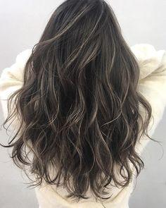 Tm Hey have u heard anything about work? Hair Lights, Light Hair, Dark Hair, Brown Hair Balayage, Hair Color Balayage, Hair Highlights, Ombre Hair, Dye My Hair, Grunge Hair