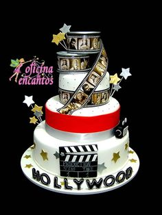 Bolo cenográfico Cinema para locação Hollywood Cake, Hollywood Theme, Cinema Party, Movie Party, Red Carpet Theme Party, Bohemian Cake, Hollywood Birthday Parties, Movie Cakes, Sweet 16 Cakes
