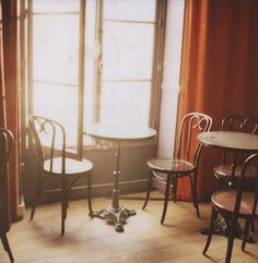 Paris cafe photograph