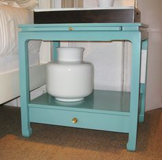 The Sara Side Table by Alexa Hampton for Hickory Chair (right) and the Fretwork Side Chair, part of the James River Collection for Hickory Chair (below), can be finished in Benjamin Moore paint. The floor models were finished in Benjamin Moore HC-136, Waterbury Green.