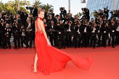 Girls on Fire: The Most Ravishing Red Gowns on the Red Carpet | Savoir Flair