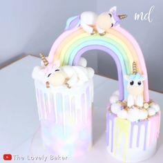 Unicorn Cake Design, Diy Unicorn Cake, Unicorn Cupcakes, Little Girl Birthday Cakes, Twin Birthday Cakes, Unicorn Birthday Cakes, Little Girl Cakes, Birthday Cake Video, Cloud Cake