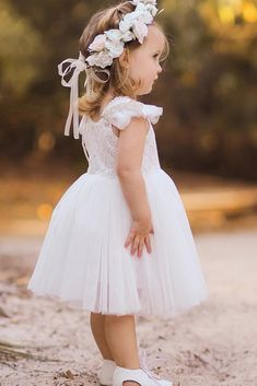 Must Have 24 Lace Flower Girl Dresses Must Have 24 Lace Flower Girl Dresses ❤️ lace flower girl dresses with cap sleeves tulle skirt arabella and rose❤️ Full gallery: weddingdressesgui… Blush Flower Girl Dresses, Girls Bridesmaid Dresses, Lace Flower Girls, Little Girl Dresses, Baby Flower Girl Dresses, Wedding Flower Girls, Wedding Bride, Dress Girl, Lace Flowers