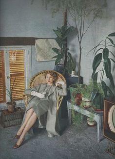 Vogue 1953. Photo by Milton Greene.