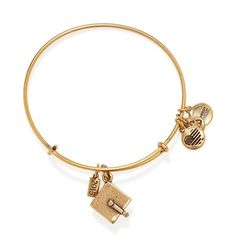 Alex and Ani 2015 Graduation Cap Expandable Wire Bracelet (820 UYU) ❤ liked on Polyvore featuring jewelry, bracelets, accessories, rafaelian gold, alex and ani bangles, graduation gift jewelry, stacked bangles, charm jewelry and stackers jewelry