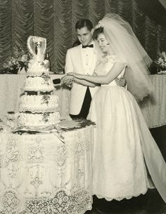 The bride cuts the cake | Flickr - Photo Sharing!