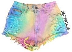Designer Clothes, Shoes & Bags for Women Grunge Style, Soft Grunge, Style Hipster, Hipster Art, Jeans Tie & Dye, Tie Dye Shirts, Short Tie Dye, Jean Short Outfits, Trendy Outfits
