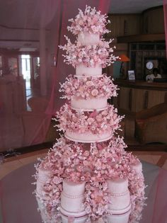 Modern Wedding Cakes My dream wedding cake - Extravagant Wedding Cakes, Wedding Cakes With Flowers, Beautiful Wedding Cakes, Beautiful Cakes, Dream Wedding, Flower Cakes, Cake Structure, Fantasy Cake, Dream Cake