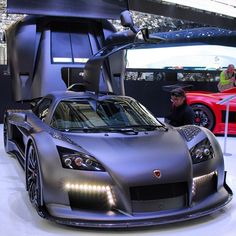 Gorgeous Gumpert Apollo S - Genève via carhoots.com