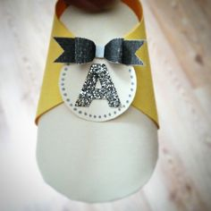 hand made by Ozge Dolu,paper shoe,baby paper shoe,baby boy shower gifts,baby shower,bithday party favors,babyshower favors