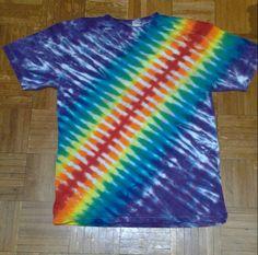 Diagonal rainbow stripe tie dye t shirt. Tie Dye Techniques, How To Tie Dye, Tie Dye Shirts, Tye Dye, Shibori, Dan, Underwear, Rainbow, Fabric