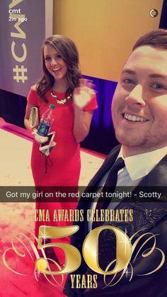 Scotty mccreery og Lauren Alaina dating 2015 smiley ansikter dating