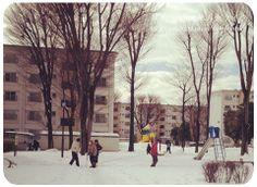 ほほえましい光景。これぞ、団地!  http://palette.blush.jp/self-reform/2014/02/post-140.html