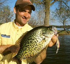 How To Catch Crappies | Crappie Fishing | Crappie Water Temperature | Crappie Fishing Tips