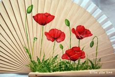 DIY 47 – papeldecesta Painted Fan, Hand Painted, Paint And Sip, Disney Drawings, Victorian Fashion, Diy And Crafts, Japanese, Shapes, Flowers
