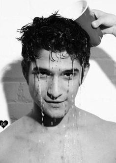 TYLER POSEY ! SHIRTLESS ! THIS GUY IS SO HOTT ! I LOVE HIM !
