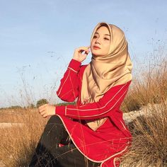 No matter the situation, never let your emotions overpower your intelligence ♥️. The power of the red colour blouse is from Beautiful Hijab, Muslim Women, Red Color, Colour, Never, Let It Be, Blouse, Beauty, Instagram