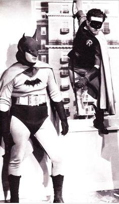 batman - serie da Tv- primeiro seriado - com Lewis Wilson (Batman) & Douglas Croft (Robin) In the first Batman serial in 1943