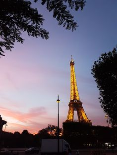 Sunset at the Eiffel Tower - food Kids Meals, Around The Worlds, Tower, France Europe, Sky, Paris, Traditional, Explore, Sunset