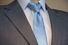 Traje Colletti, camisa Colletti y corbata de seda Alessandro Ferrari