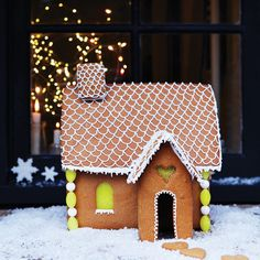 Cute!! gingerbread Cottage #baking #gingerbread #cottage