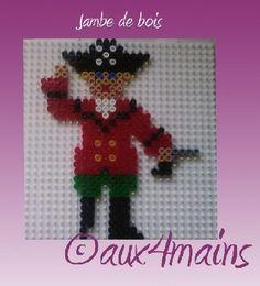 sandylandya@outlook.es  Pirate hama perler by aux4mains