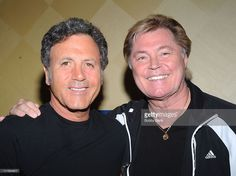 frank-stallone-and-dennis-cole-attend-the-2009-chiller-theatre-expo-picture-id111644617 (1024×764)