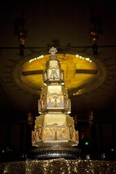 Art deco gold. Sugar Realm. Photography By / blinkofaneyephotography.com, Wedding Planning