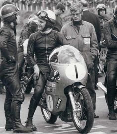 the year 1969 | 28-Mike Hailwood et GiacomoAgostini Race of the year 1969