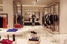 Великолепный дизайн магазина одежды Uterqüe в Мадриде