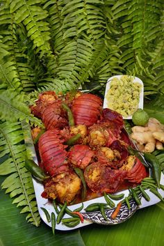 At Christmas, here are some traditional dishes you can find on Reunionese tables: Christmas Dishes, Tandoori Chicken, Seafood, Food And Drink, Cooking, Ethnic Recipes, Mojito, Cactus, Tables