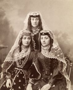 Armenian women - The women of Dagya might wear these outfits, as well as many of the servants of the Chateau Kuturi on special occasions.