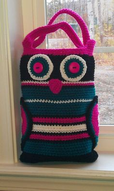 Owl Tote from RAKJ Patterns.  Made this for a friend of mine.