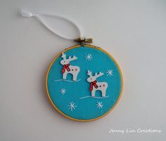 Reindeer Christmas Ornament Holiday by JennyLinCreations on Etsy #christmasornament #christmas #holidaydecoration #ornament #hoopart