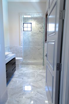 #Traditional #Thursday is all about the details of this classic marble bathroom installation using our Bianco Gioia and Winter Frost! #Classic #look #marble #winter #frost #white #accent #details #bathroom #design #interiordesign #designthinking #designer #flooring #walltile #floor #tiles #Malibu #California #living #home #decor #DIY #ideas #chatsworth #emsertile #tile