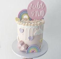 Rainbow First Birthday, Baby Birthday Cakes, Little Girl Birthday, Pretty Cakes, Cute Cakes, Girl Birthday Decorations, Gateaux Cake, Novelty Cakes, Drip Cakes