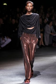 GIVENCHY - LE DÉFILÉ PRINTEMPS-ÉTÉ 2014 – FASHION WEEK DE PARIS. http://fashionblogofmedoki.blogspot.be/