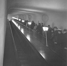Rulltrappan invigdes den 30 april 1938 av den dåvarande kungen Gustav V och prinsessan Ingeborg. 1930s, Vintage, Vintage Comics