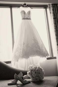 50 Family Wedding Photo Ideas & Poses {Bridal Must Do!} wedding photography , 50 Family Wedding Photo Ideas & Poses {Bridal Must Do!} 50 Family Wedding Photo Ideas & Poses {Bridal Must Do! Wedding Picture Poses, Wedding Poses, Wedding Photoshoot, Wedding Shoot, Wedding Day, Wedding Dresses, Wedding Ceremony, Wedding Tips, Wedding Events