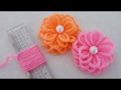 Amazing Flower Crafts Ideas with Woolen yarn - Hand Embroidery Design - Sewing H. Amazing Flower Crafts Ideas with Woolen yarn – Hand Embroidery Design – Sewing Hack – Easy Tr Diy Baby Headbands, Diy Hair Bows, Diy Headband, Flower Embroidery Designs, Crochet Flower Patterns, Hand Embroidery, Handmade Rakhi Designs, Woolen Flower, Matchbox Crafts